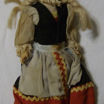 DOLLY WITH CLOTH HEAD - Dolls