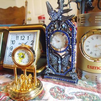 ItemPriceQtyTotal # 15320414 - Lot of 5 Small Desk Clocks - Rhinestone$7.381$7.38 - Clocks