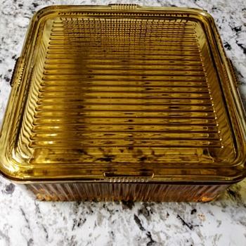 A VINTAGE REFRIGERATOR BOX - Kitchen