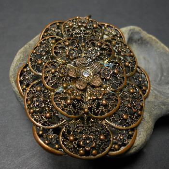 Bronze Filigree Pendant, Late 20 Century - Costume Jewelry