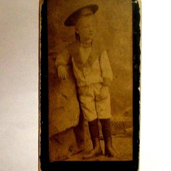RARE, MINI CDV PHOTO CARD JUST less than 1& 1/2 X 2 & 3/4  C. 1880s Full photo OF LITTLE BOY - Photographs
