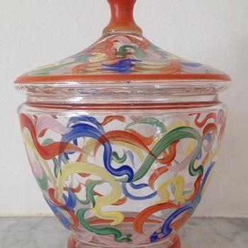 Enamelled bonbonière in an early 1920s style - Art Glass