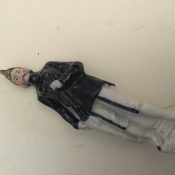 Any idea on a maker folks? - Figurines
