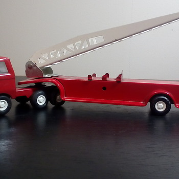 Tonka Fire Truck - Firefighting