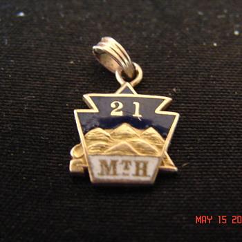 14K Unknown Keystone Society Pin Made by CH. Elliott