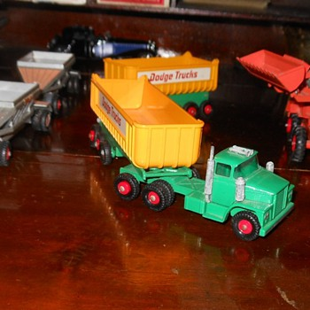 Matchbox King Size Dodge Tractor with Twin Tippers K-16 - Model Cars