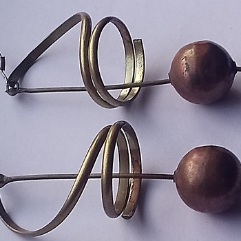 Mystery possibly 50's modernist copper brass spiral earrings - Costume Jewelry