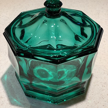 VINTAGE INDIANA GLASS BLUE GREEN OCTAGON CANDY DISH /BOWL WITH LID - Glassware