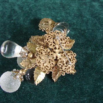 Miriam Haskell Clear Poured and Frosted Glass Brooch and Earring Set - Costume Jewelry