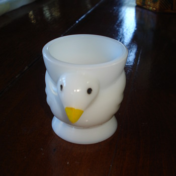 Glass Chicken Egg Cups: a wonderful modernist design  - Glassware