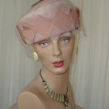 Powder Pink Velvet Pillbox With Folded Ribbon Trim ca 1950 - Hats