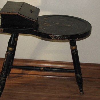 A friends antique mystery. - Furniture