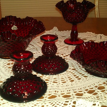 Hobnail pieces - Glassware