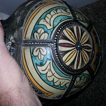 odd Moroccan pot? - Pottery