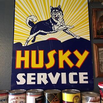 Husky service gas station  - Petroliana