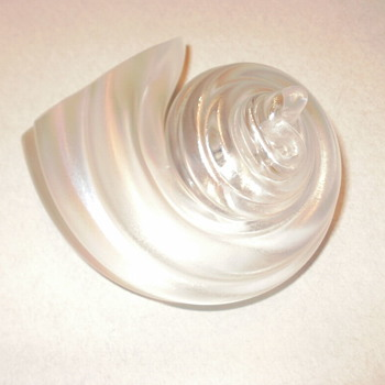 Cohn Stone iridescent American Glass Sea Shell Paperweight