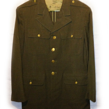 Military clothing - World War 2?? - Military and Wartime