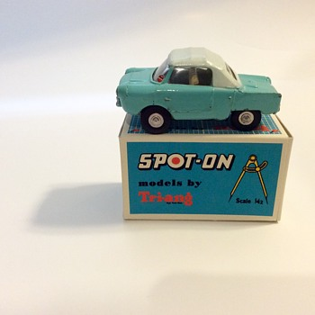 Tri-ang Spot On Meadows Friskysport #119 - Model Cars