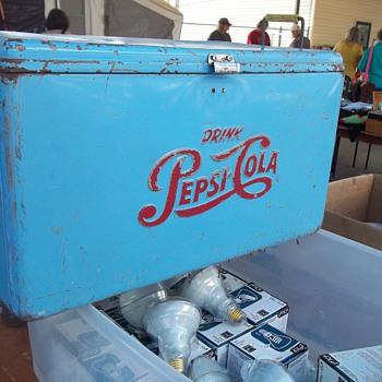 VINTAGE PEPSI COLA ICE CHEST - Advertising