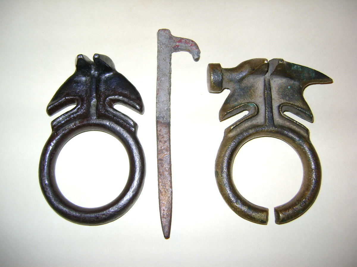 Atomic Glaskin and Birch Barbed Wire Pocket Tools | Collectors Weekly