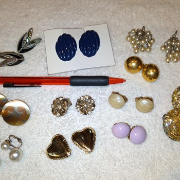 costume jewelry -- clip on earrings (group 2) - Costume Jewelry
