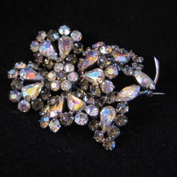 SHERMAN Smokey FLORA Brooch - Costume Jewelry