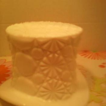 Fenton Daisy Button Hat! - Glassware
