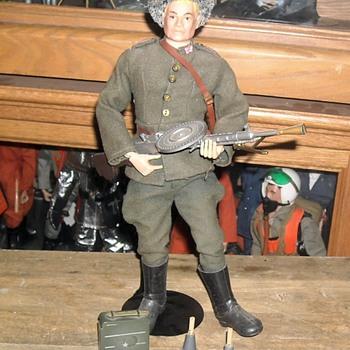 GI Joe SOTW Russian Infantry Man 1966 - Toys