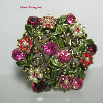 1950s Breath of  Spring Vintage Brooch and Earrings - Costume Jewelry