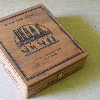 Te-Amo Art-Deco Wooden Cigar Box - Tobacciana