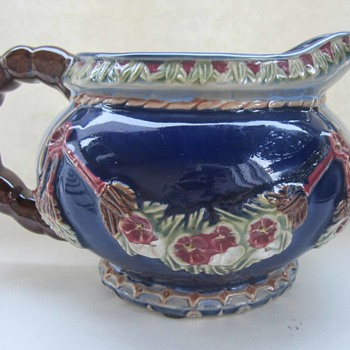 Some kind of Majolica? - Pottery