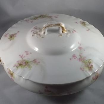 Theodore Haviland Limoge France Soup Tureen With Lid - China and Dinnerware