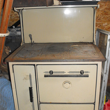 Old Fashion Cook Stove  - Kitchen