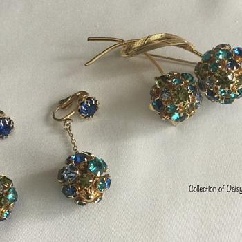 (European) Rhinestone Brooch & Earring Set - Costume Jewelry