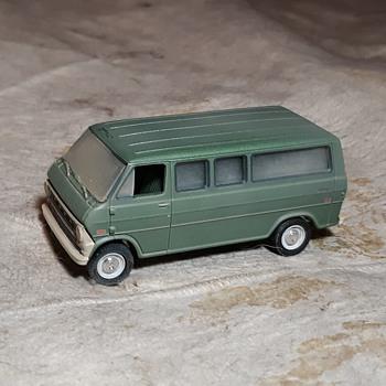 Greenlight Hollywood Texas Chainsaw Massacre 1972 Ford Club Wagon  - Model Cars