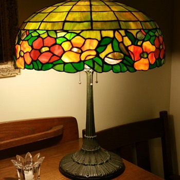 Wilkinson leaded glass floral lamp - Lamps