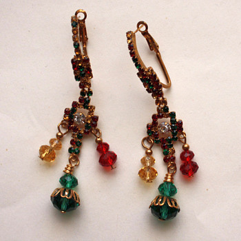 Vintage, or not? - Costume Jewelry