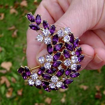 """Vintage Trifari Brooch - Contessa Collection - """" Memo """" - Costume Jewelry"""