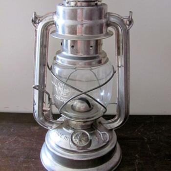 East German oil lamp (BAT #159 model) from the border - Lamps