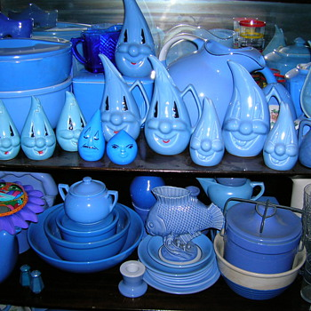 Collection of Blue Pottery and Glassware - Glassware