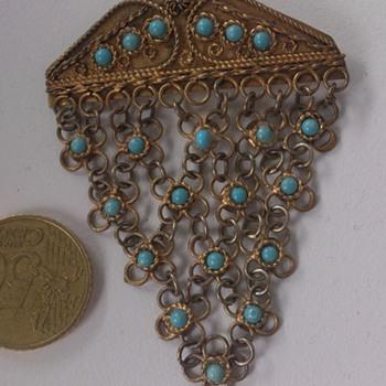 An interesting brooch
