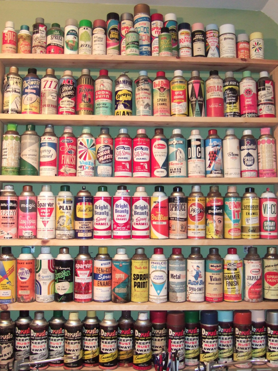 Vintage Red Devil Spray Paint