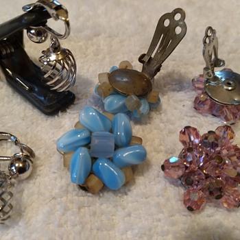 costume jewelry redux, closeups #1 - Costume Jewelry