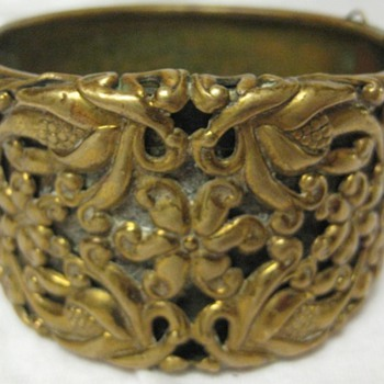'Victorian' brass cuff bracelet - Fine Jewelry
