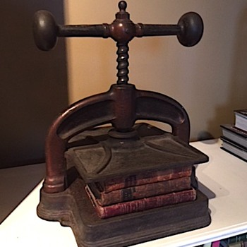Iron Bookpress - Books