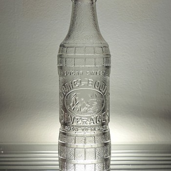 Daniel Boone Beverages Soda Bottle Chattanooga Glass Spencer North Carolina Embossed Vintage Collectible Clear Cola - Bottles