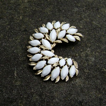 Vintage Trifari Crescent Moon  - Costume Jewelry