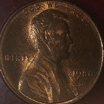 This. 1986D lincoln penny has textured surface you can just tell its ment error its like a drywall patcch unsanded and missin - US Coins