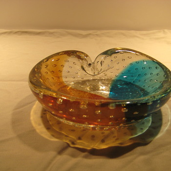 Three color bowl with gold inclusions