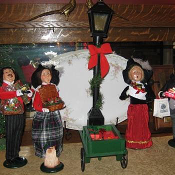 Byer Christmas Carolers  - Christmas